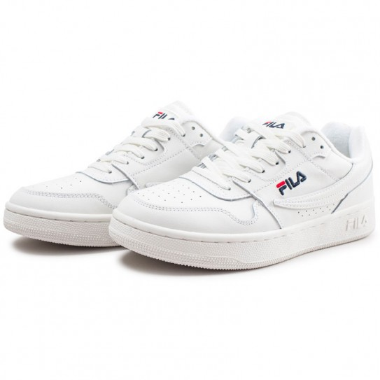 a9006455ea8812 Chaussures Fila Arcade Low Low White Baskets Blanches Homme Homme amp; Femme