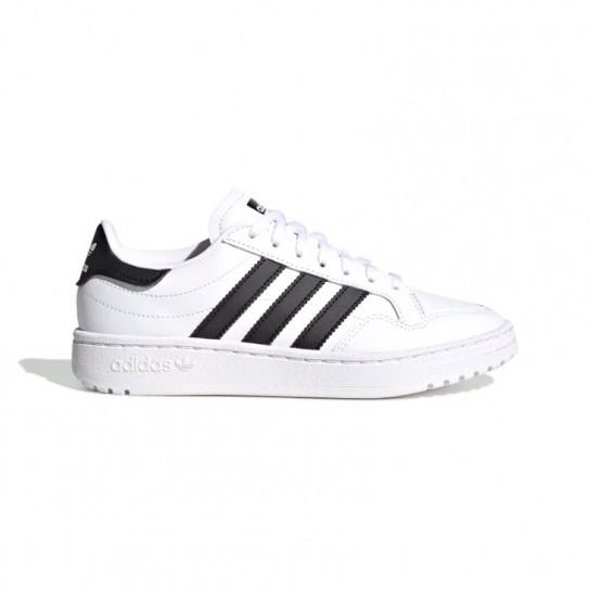 Adidas Team Court J