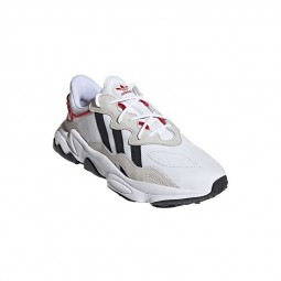 Chaussures Adidas Ozweego blanches