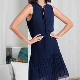 Robe courte plissée Molly Bracken bleue marine